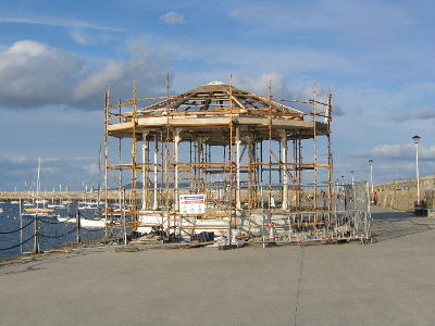 1_bandstand_shaping_up
