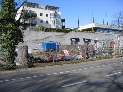 20090408_work_commences_on_metals_walkway_1