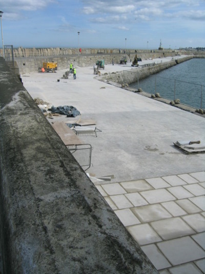 a_view_back_along_the_pier_x400