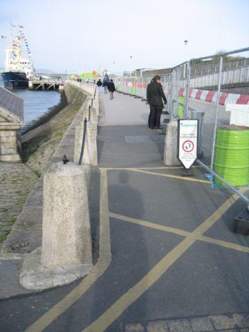 temporary_entrance_to_pier
