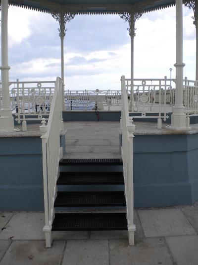bandstand_steps
